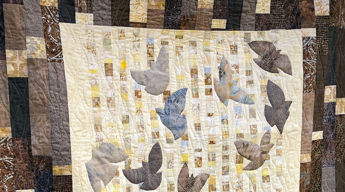 Detail of finished quilt – Hato (Doves)